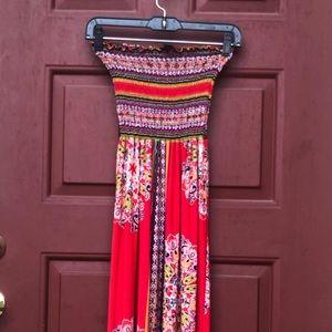 Dresses & Skirts - Sleeveless printed maxi dress